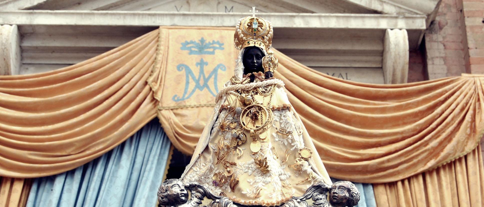 Madonna Pilastrello sul sagrato
